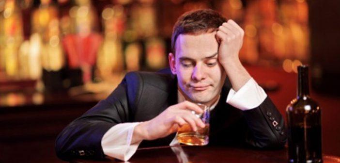 คุณพ่อนักดื่มทำให้ทารกเกิดอาการทารกในครรภ์ได้รับแอลกอฮอล์ได้